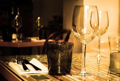 table dining dans le noir