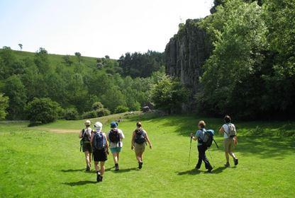 walking  cheddar gorge